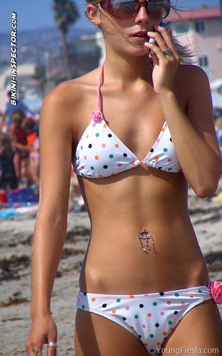 candid-beach-bikini