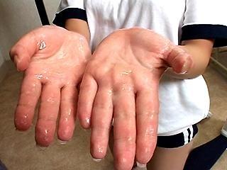 Yui Minami Cum Hands