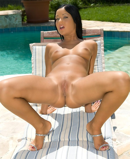met-art-angelika-pool