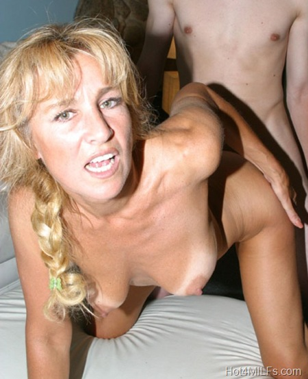 mommy-loves-cock-mia