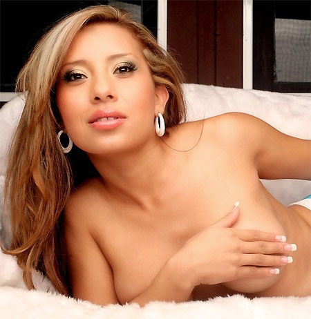pam-rodriguez-big-tits-latina