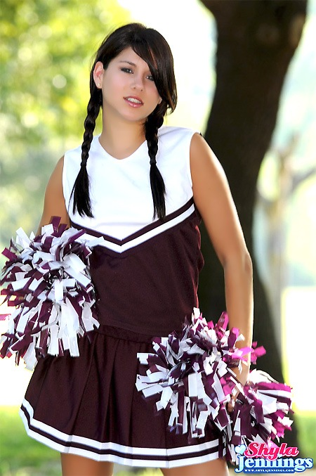 shyla-jennings-cheerleader