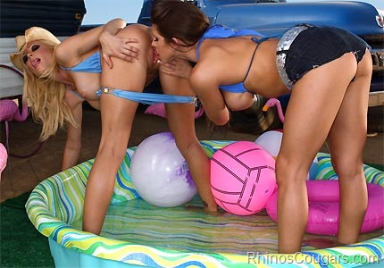 cougar-recruits-holly-sampson-rachel-roxxx