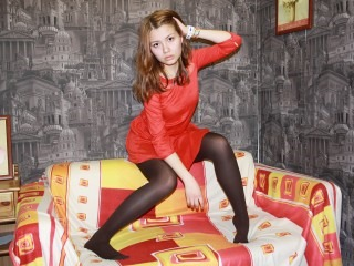 a00sugarastrid emily 18 looking webcam model stripping naked